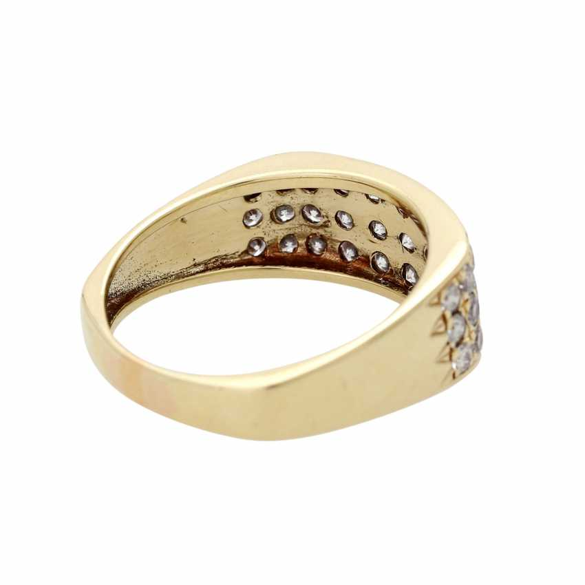Ladies ring studded with 33 diamonds - photo 3