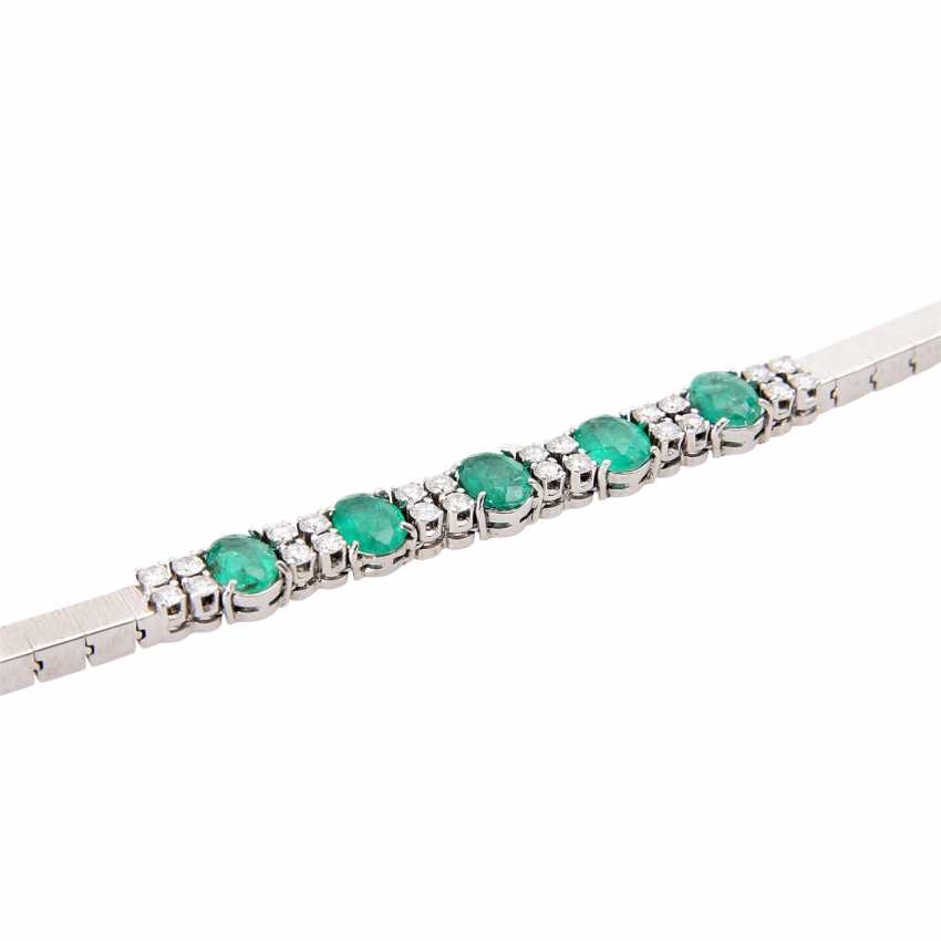 Bracelet with emeralds and diamonds. - photo 5