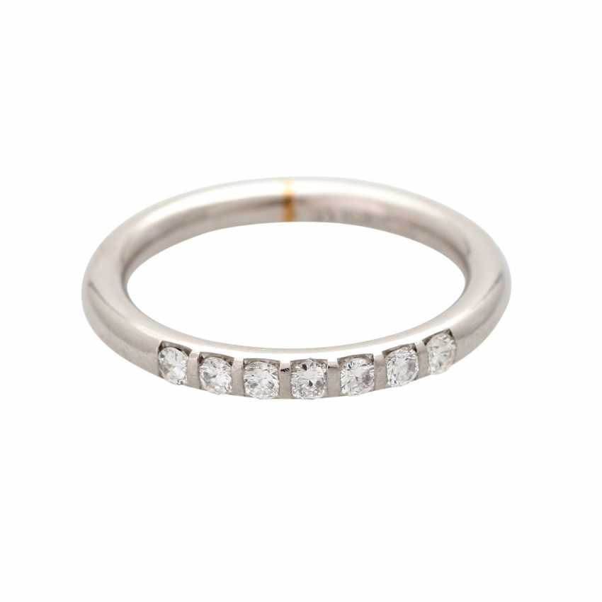 Ladies ring studded with 7 diamonds, together CA. 0,30 ct, - photo 1
