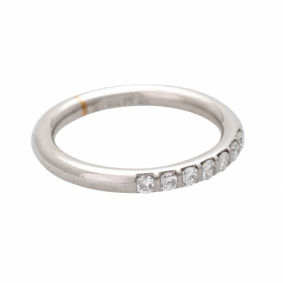 Ladies ring studded with 7 diamonds, together CA. 0,30 ct, - photo 2