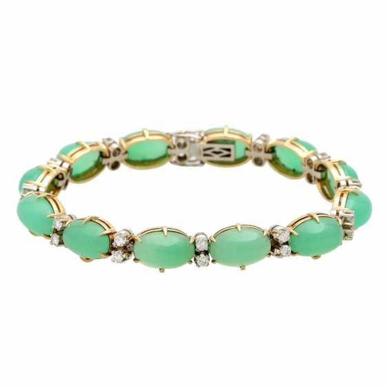 Bracelet with 12 oval chrysoprase cabochons and 24 brilliant-cut diamonds, - photo 1