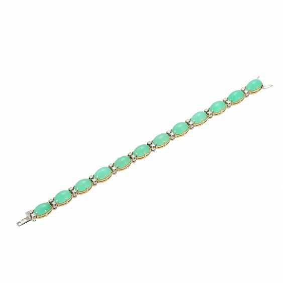 Bracelet with 12 oval chrysoprase cabochons and 24 brilliant-cut diamonds, - photo 3