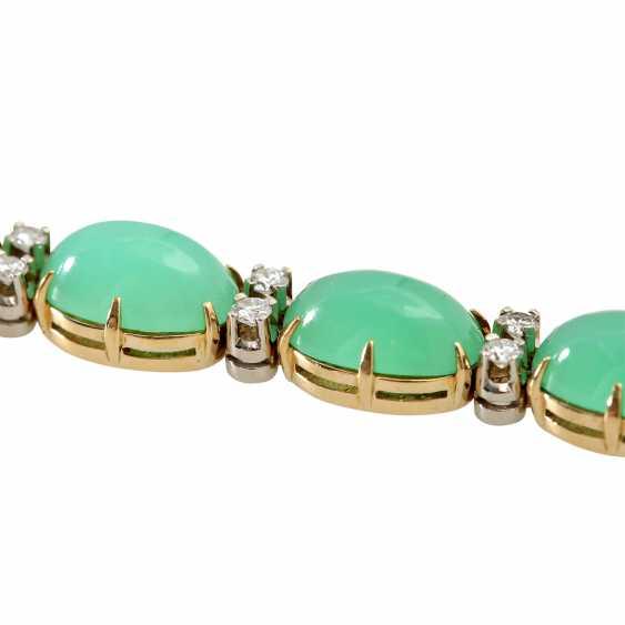 Bracelet with 12 oval chrysoprase cabochons and 24 brilliant-cut diamonds, - photo 4