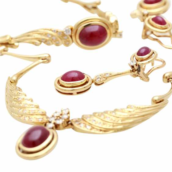 Jewelry with oval-shaped ruby cabochons and diamonds - photo 5