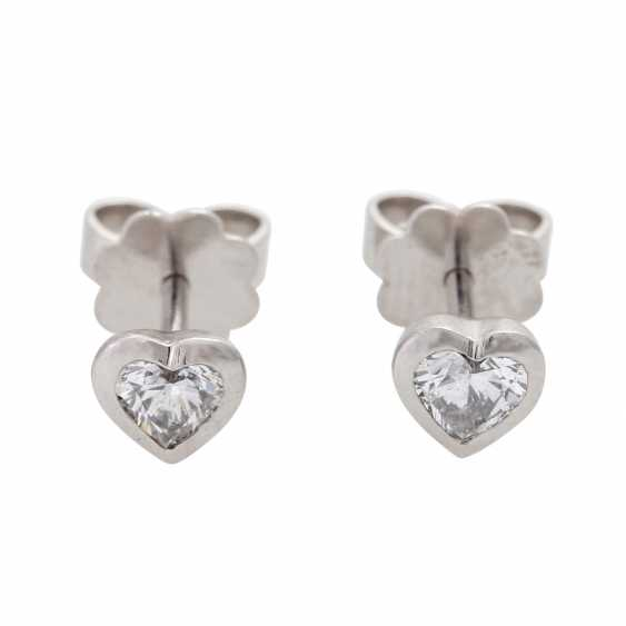 Pair of stud earrings with diamonds - photo 1