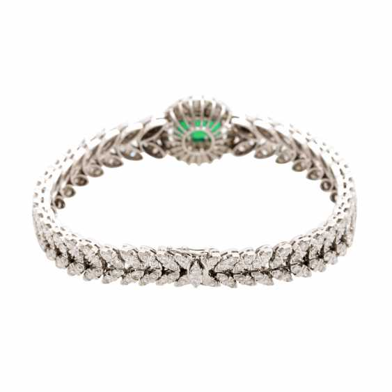Bracelet with 3 synthetic emeralds and brilliant-cut diamonds - photo 3