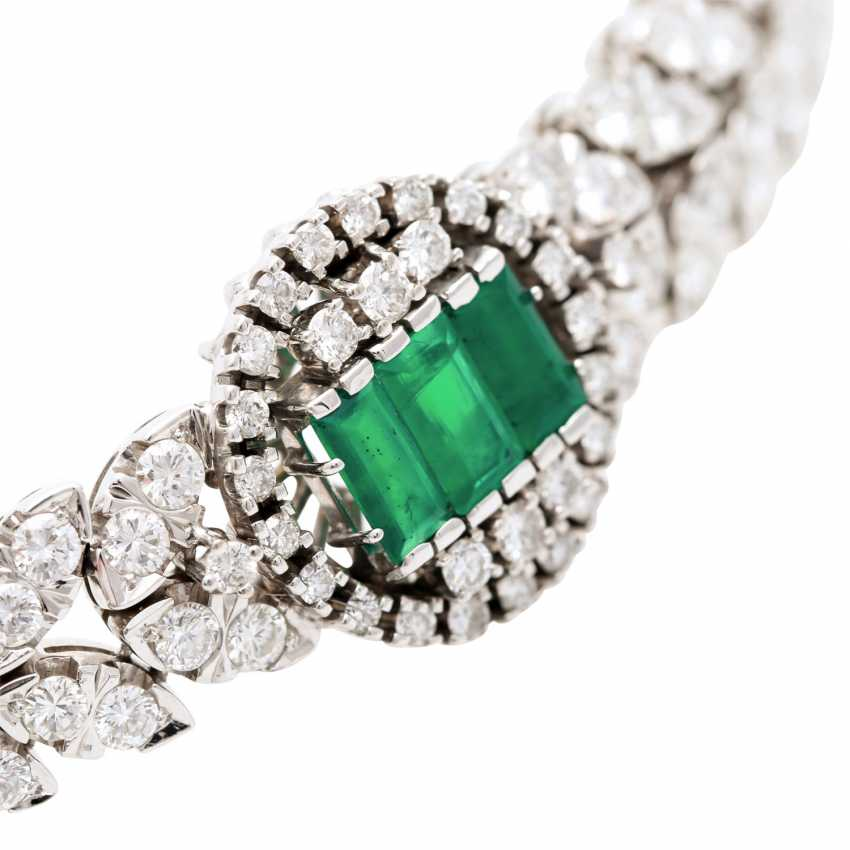 Bracelet with 3 synthetic emeralds and brilliant-cut diamonds - photo 5