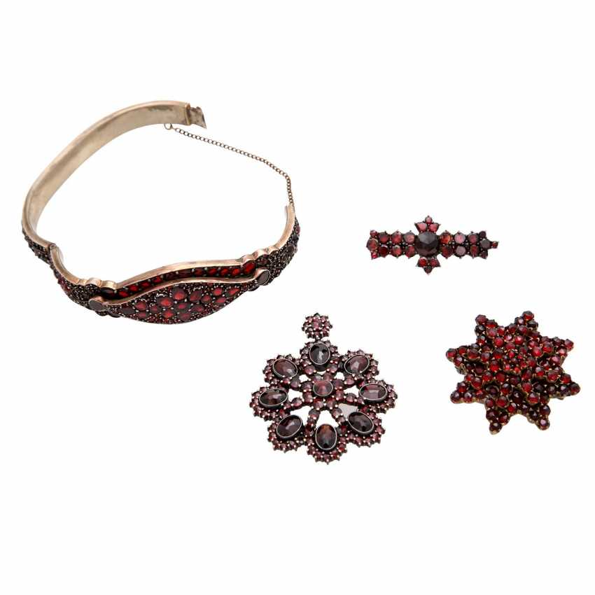 Collection of garnet jewelry, 5-piece: - photo 3