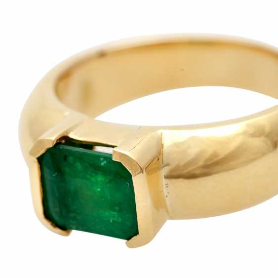 Ladies ring with 1 emerald in the step-cut - photo 5