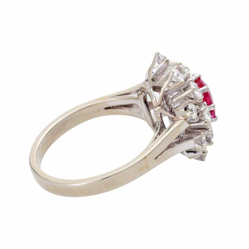 Ladies ring with 1 ruby and diamonds - photo 3