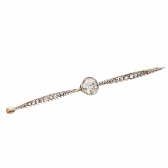 Bar brooch with diamonds - photo 4