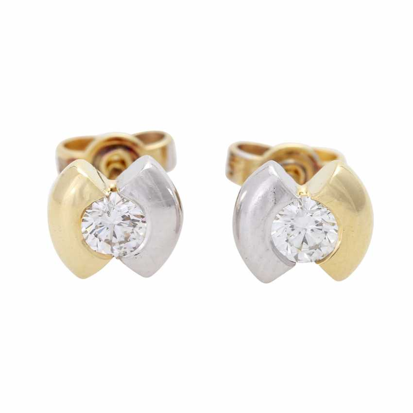 Stud earrings with 2 diamonds - photo 1