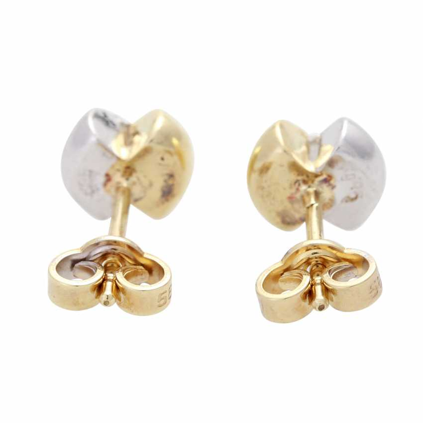 Stud earrings with 2 diamonds - photo 4