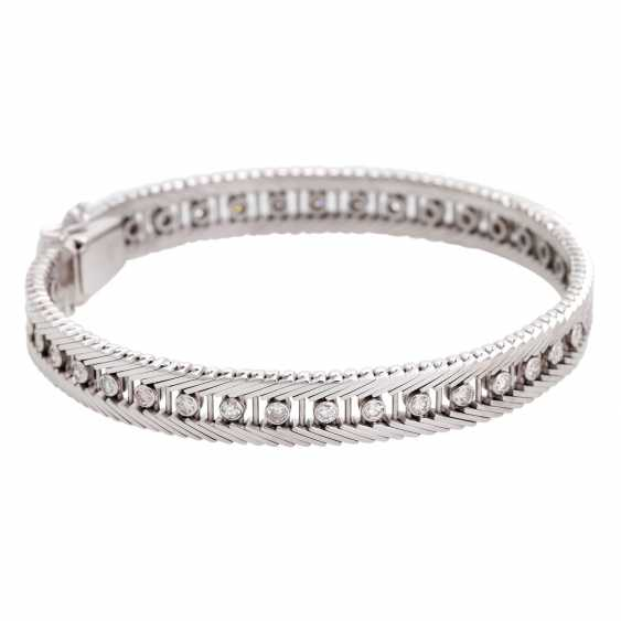 Bracelet with 38 diamonds in div. Cut shapes, - photo 2