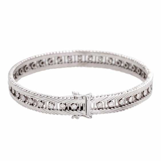 Bracelet with 38 diamonds in div. Cut shapes, - photo 3