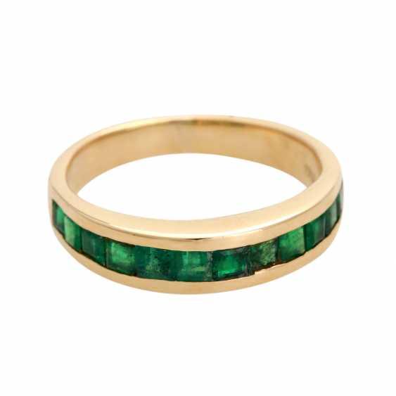 Ring, set with 12 Smaragdcarrés, - photo 1