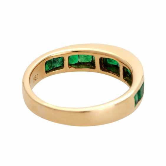 Ring, set with 12 Smaragdcarrés, - photo 3