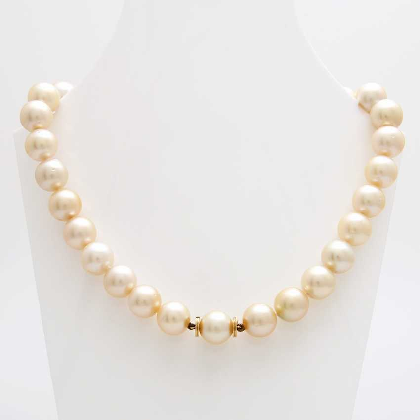 Necklace of South sea pearls in history - photo 1