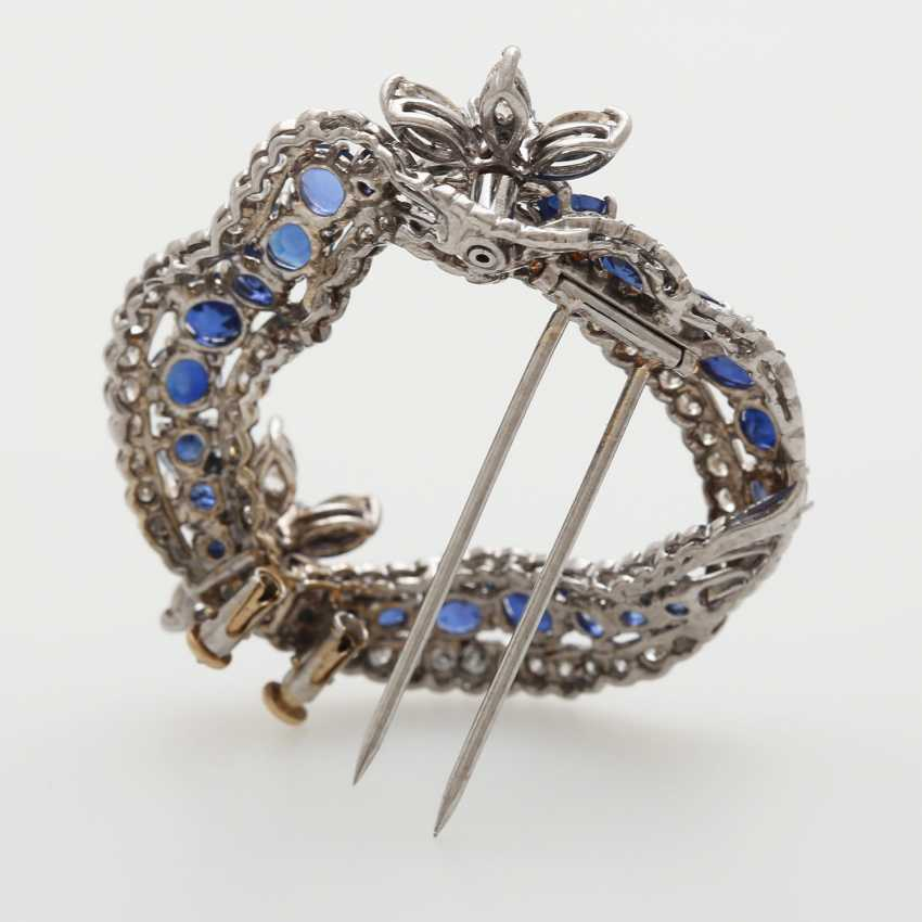 Brooch in a curved wreath form - photo 5