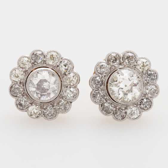 "Earrings ""flowers"" with diamonds, - photo 1"