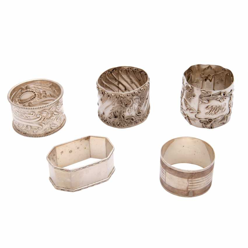 Mixed Lot Of 5 Napkin Rings, 1 Asparagus Grids, 20. Century: - photo 3