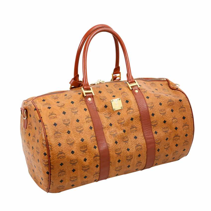 MCM sought after Weekender. - photo 2