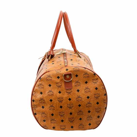 MCM sought after Weekender. - photo 3