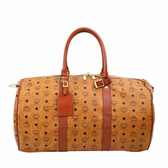 MCM sought after Weekender. - photo 4