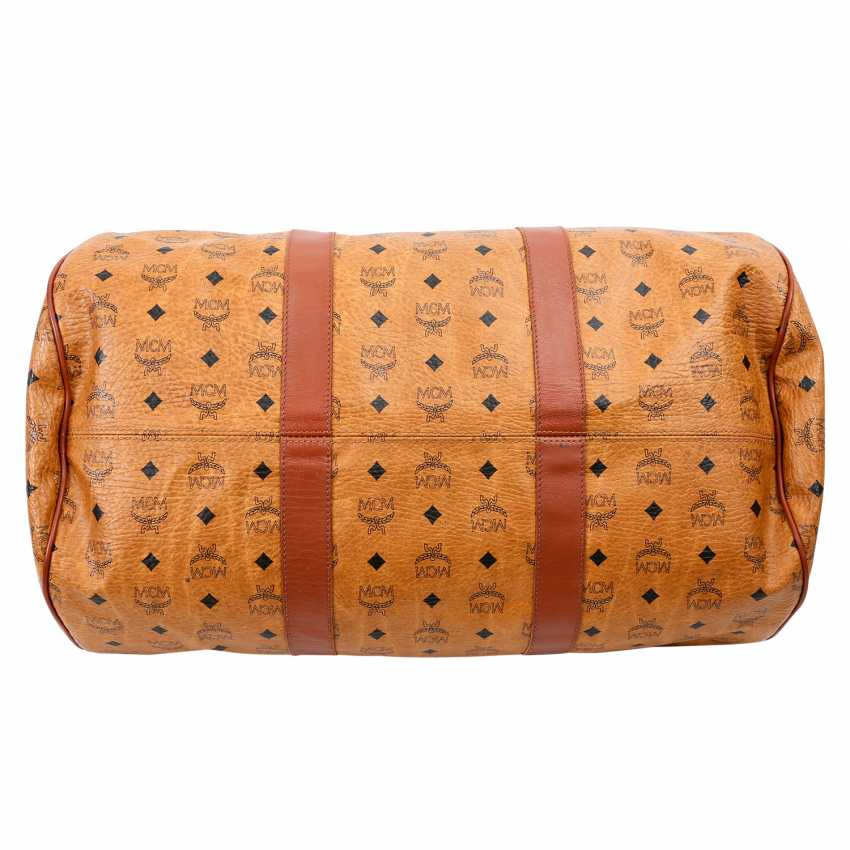 MCM sought after Weekender. - photo 5