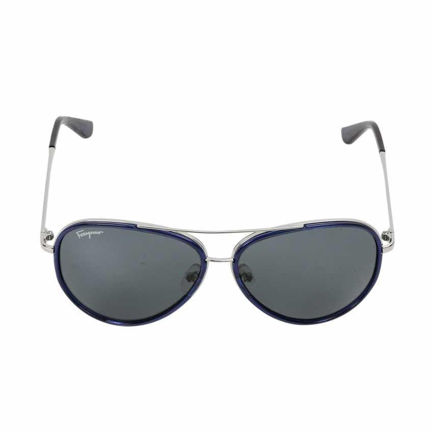FERRAGAMO latest sunglasses. - photo 1