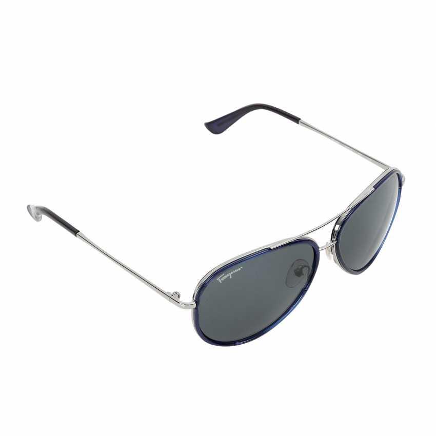 FERRAGAMO latest sunglasses. - photo 2