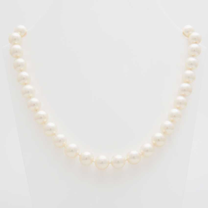 Necklace, 36 cream-colored cultured pearls - photo 1