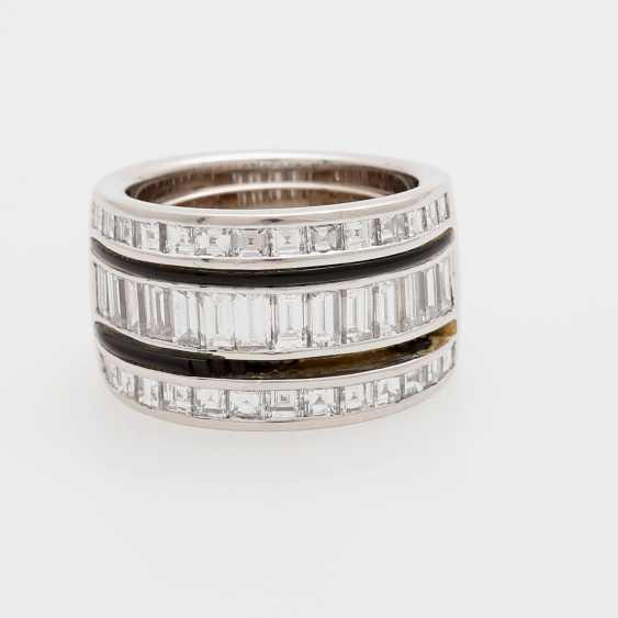 Ladies ring m onyx inlay & diamond trim occupied - photo 1