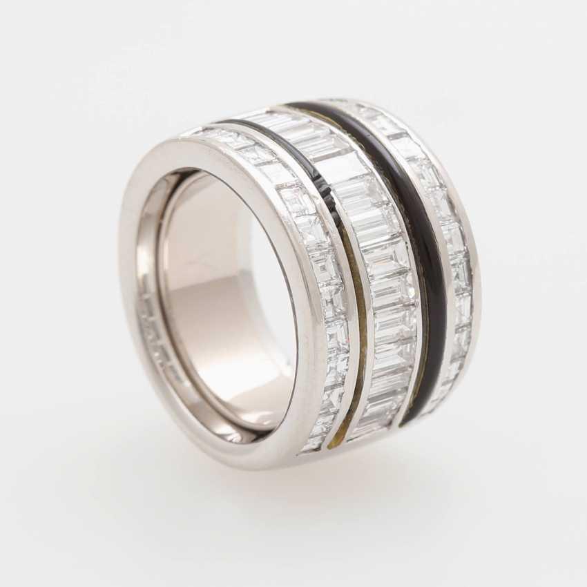 Ladies ring m onyx inlay & diamond trim occupied - photo 4