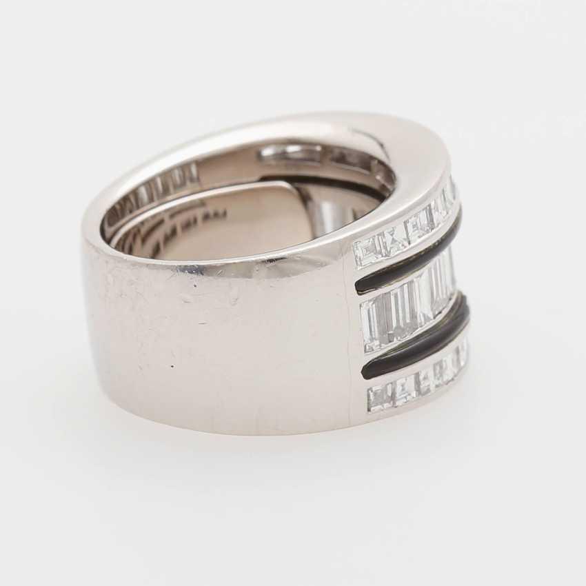 Ladies ring m onyx inlay & diamond trim occupied - photo 3