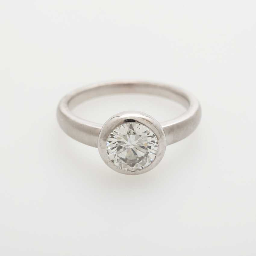 Solitaire ring studded with a Diam.-Brilliant - photo 1