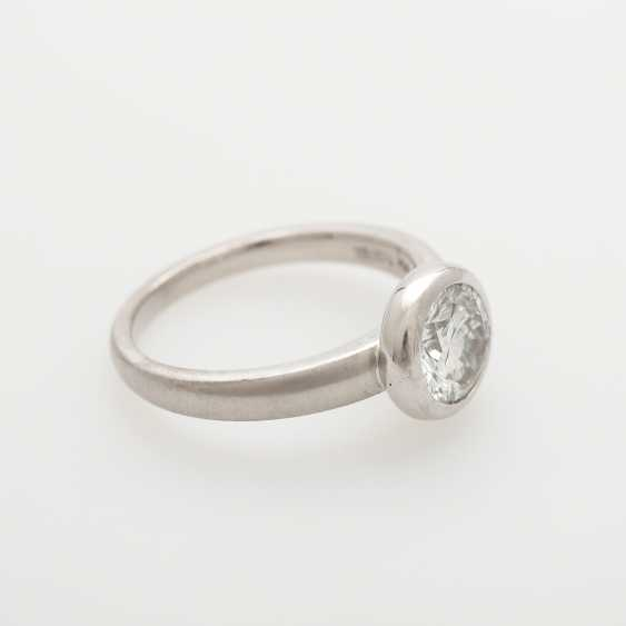 Solitaire ring studded with a Diam.-Brilliant - photo 2