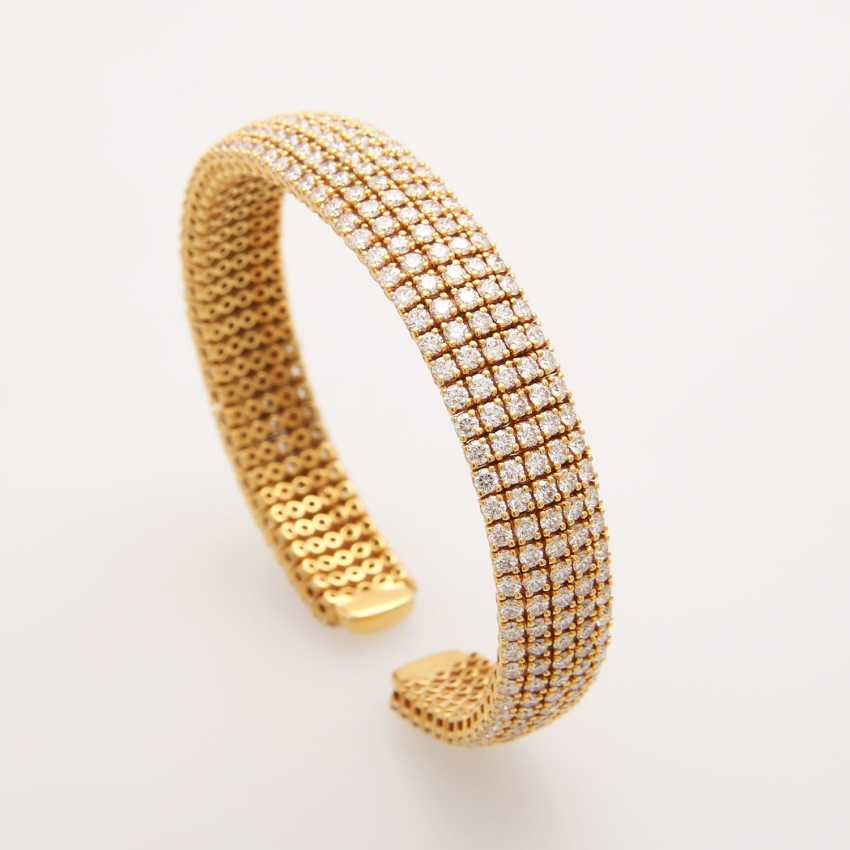 Bangle set with brilliant-cut diamonds; - photo 3