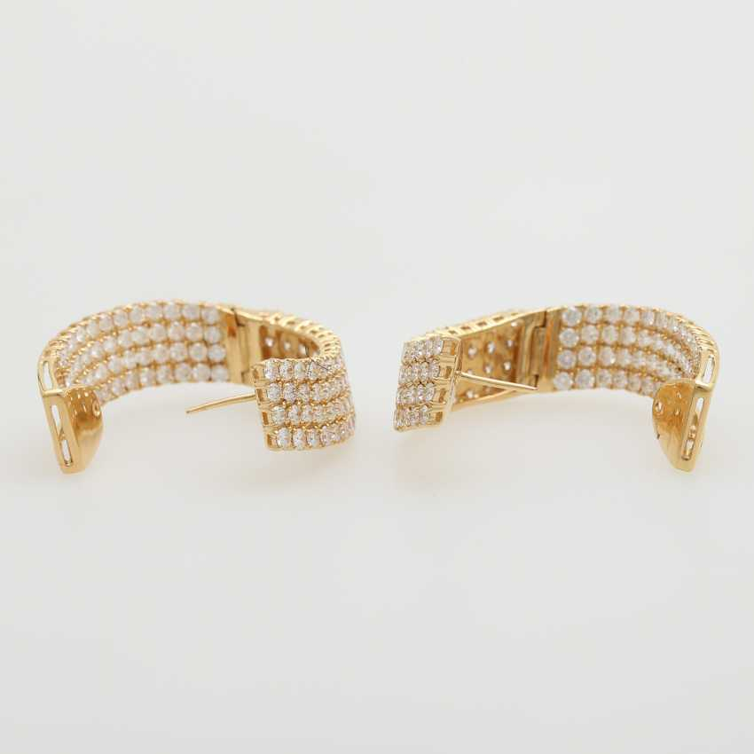 Hinged Hoop earrings bes. with a total of. 224 brilliant-cut diamonds; - photo 4