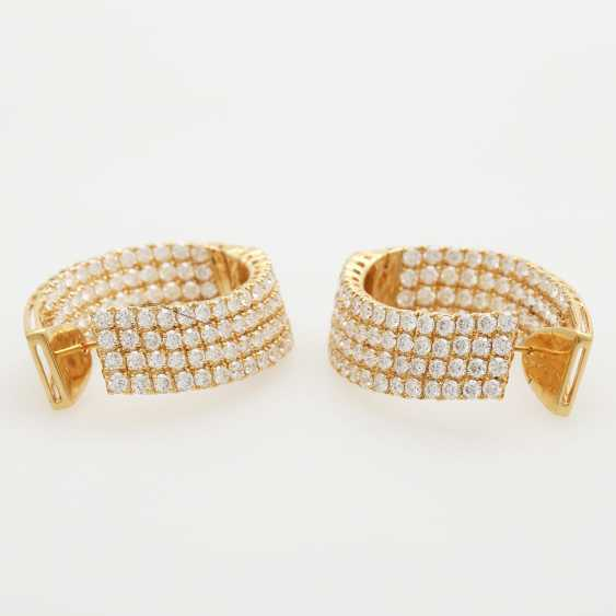 Hinged Hoop earrings bes. with a total of. 224 brilliant-cut diamonds; - photo 2