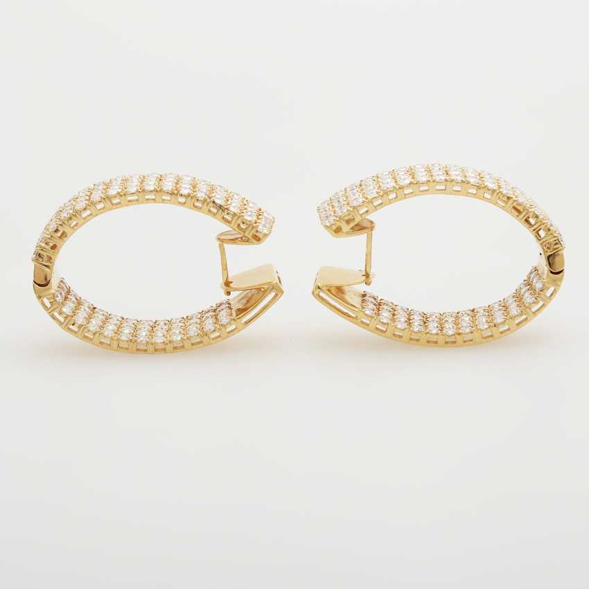 Hinged Hoop earrings bes. with a total of. 224 brilliant-cut diamonds; - photo 5