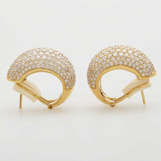 Stud earrings set with brilliant-cut diamonds; - photo 4