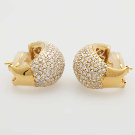 Stud earrings set with brilliant-cut diamonds; - photo 3