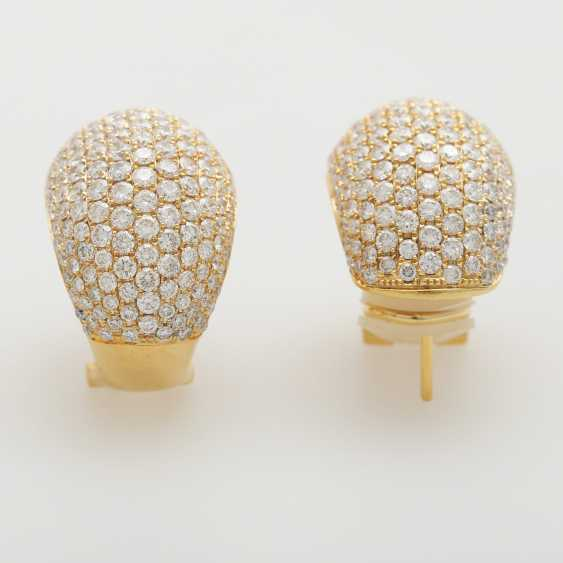 Stud earrings set with brilliant-cut diamonds; - photo 2