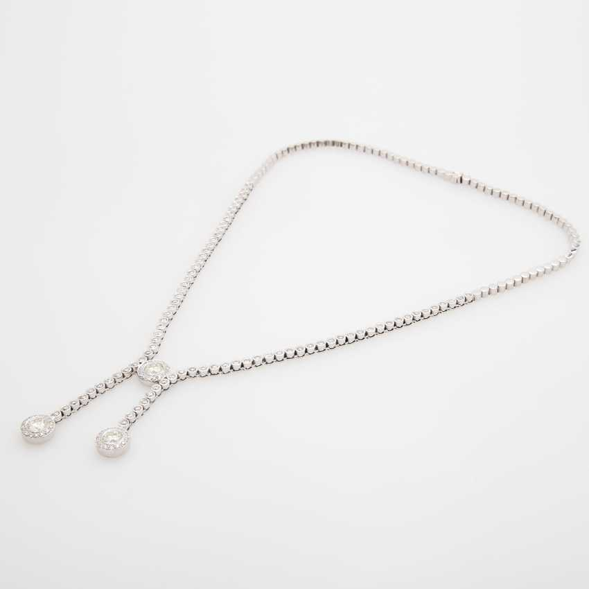 Necklace with large and small diamonds, - photo 3