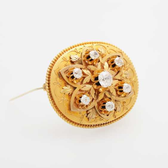 Brooch, antique, set with seven old European cut diamonds - photo 2