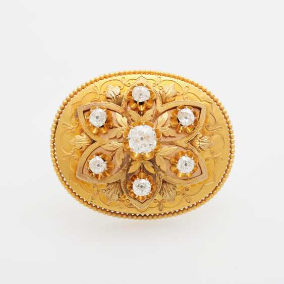 Brooch, antique, set with seven old European cut diamonds - photo 1