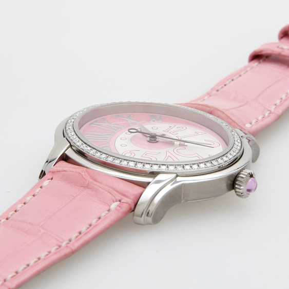 "AUDEMARS PIGUET ladies ""Millenary"". Oval case in stainless steel, with Diam.-Bezel. - photo 3"