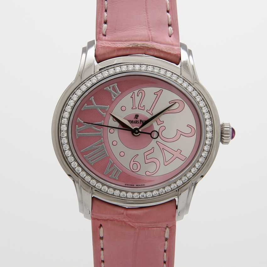 "AUDEMARS PIGUET ladies ""Millenary"". Oval case in stainless steel, with Diam.-Bezel. - photo 1"