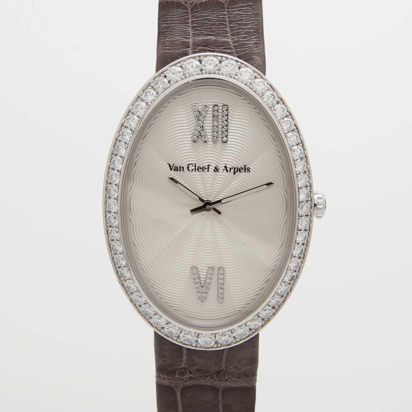 VAN CLEEF & ARPELS ladies watch in 18K white gold, occupied m. diamond. - photo 1